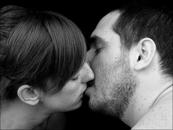 Besos de lengua para escapar escaping from a chinese jail - 1 7